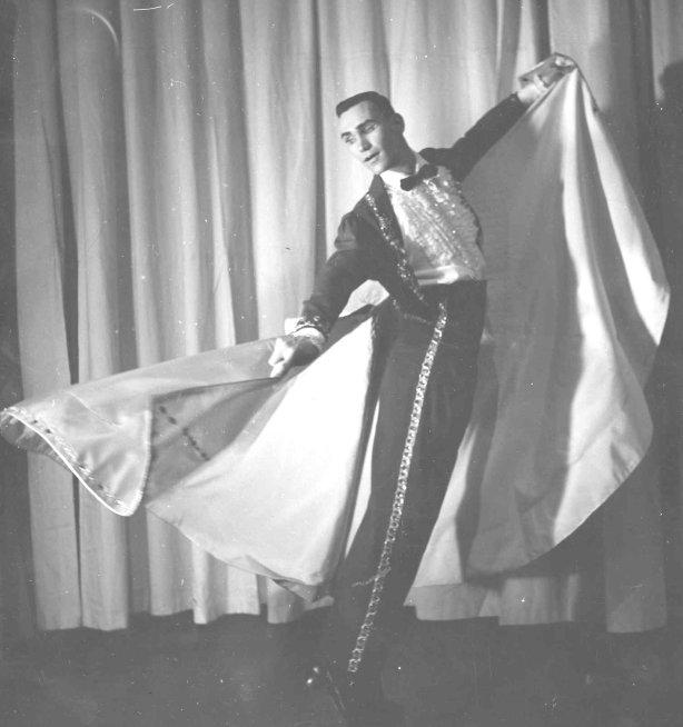 a-1-a-greig-cape-dancing